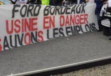 Une banderole des employés de Ford lors d'une manifestation à Bordeaux
