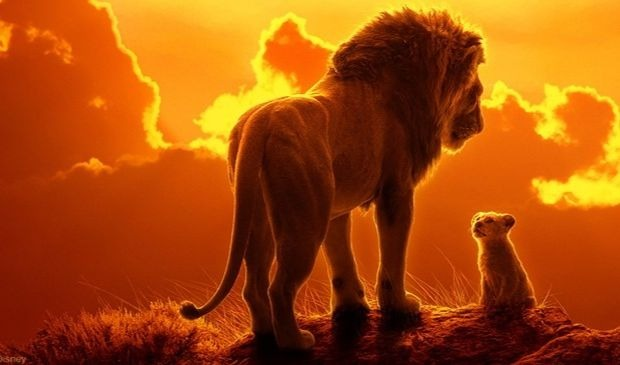 Affiche officielle du film d'animation Le Roi Lion des Studios Disney
