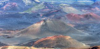 Les volcans d'Hawaï par Bruno et Dorota Sénéchal, invités d'honneur du festival.